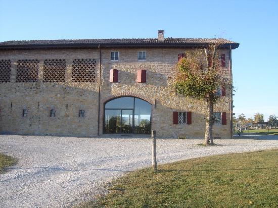 Agriturismo La Razza : Main building 2