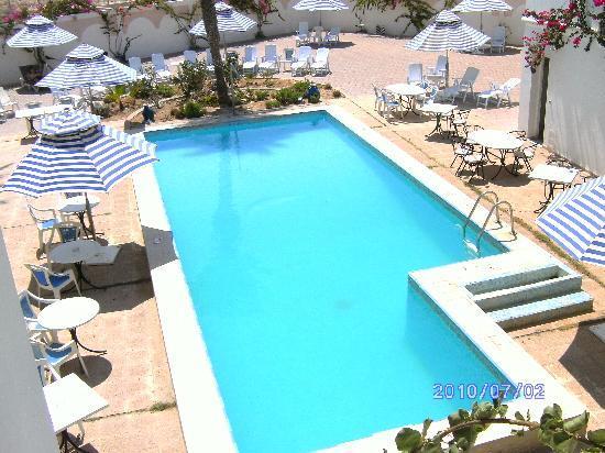 Hotel Rodes: Poolområdet litet.