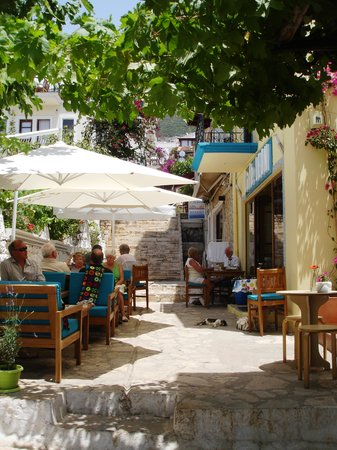 Cafe Leon: Outdoor seating