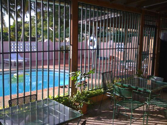 El Patio Guest House: Wireless and reading area.