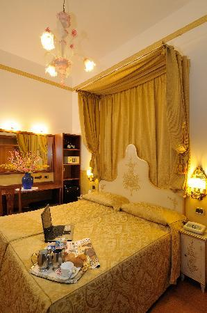 Hotel Ala - Historical Places of Italy: Double Classic room