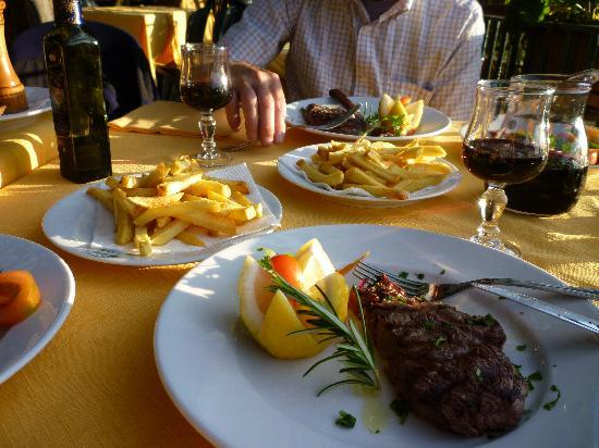 La Savardina: Incredible steak & fries