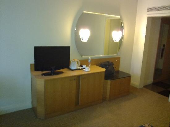 Cama Hotel: Room under light