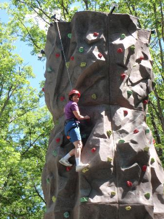 Woodloch Pines Resort: Here I am halfway up the rock tower. I made it to the top!