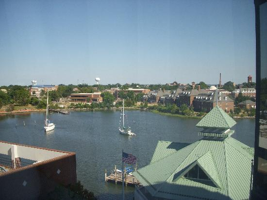 Crowne Plaza Hampton Marina: View from our 7th floor room
