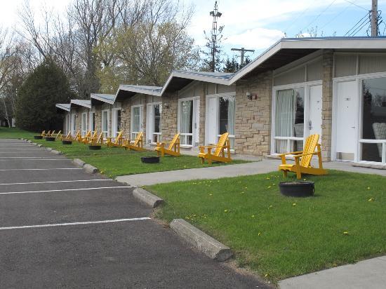 Ramada Gananoque Provincial Inn: Ramada Provincial Motel Rooms
