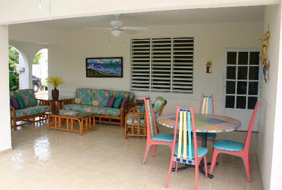 Beachside Villas Rincon: Poolside Lanai