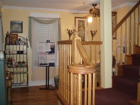 The Inn at Ocean Grove: entryway into inn
