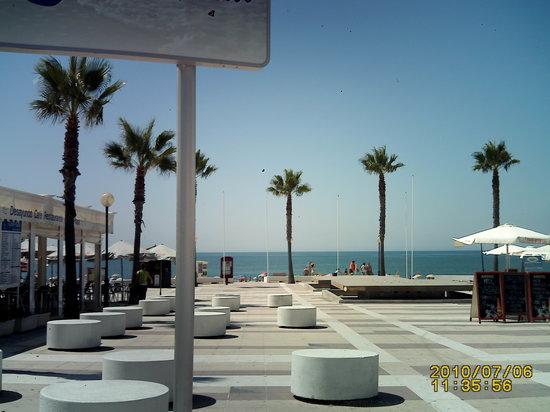 Lepe, Spain: cerca de esta playa