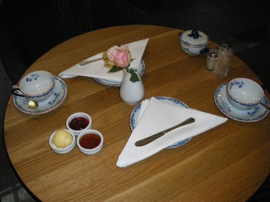 Master Johan Hotel: Breakfast Place Setting @ Each Table
