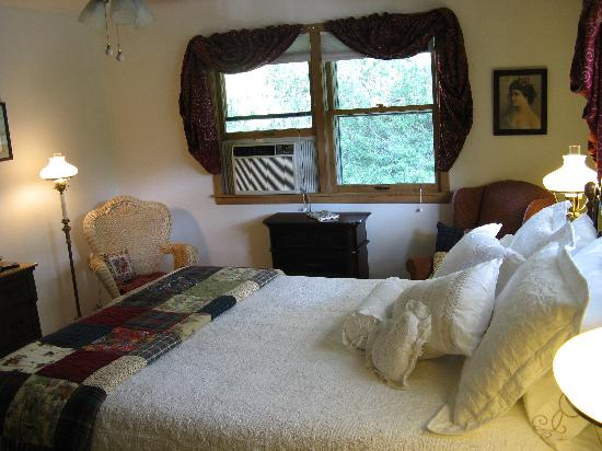 Bowman's Oak Hill Bed & Breakfast: Our room- Elmers's Oak View
