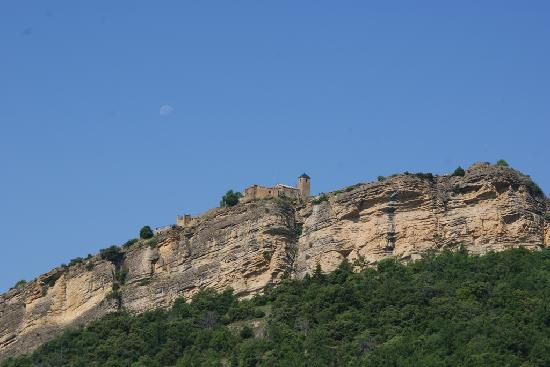 Tremp, España: yes up there on the left is the casa