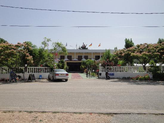 The Galaxy Hotel, Fanari