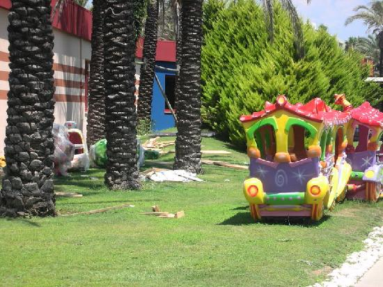 Pegasos World Hotel: Kids train with optional building waste