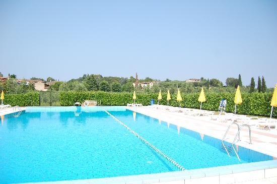 Manerba del Garda, Italia: Piscina