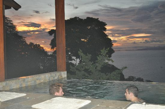 Four Seasons Resort Costa Rica at Peninsula Papagayo: Partial view of our infinity pool at sunset