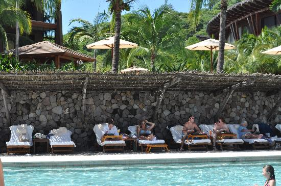 Four Seasons Resort Costa Rica at Peninsula Papagayo: Family pool at lunch time