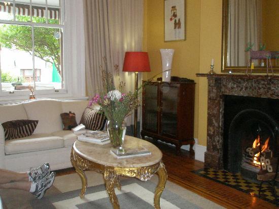 Parker Cottage: A common room