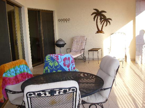 Sonoran Sun Resort: Spacious balcony