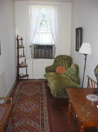 """Cottage Plantation: side room with """"fainting couch"""""""