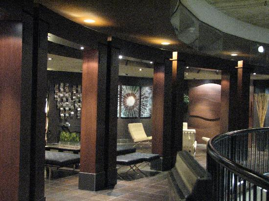 Lonsdale Quay Hotel: View from the lobby