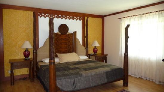 Beach Resort Villa Kaanit: Zimmer