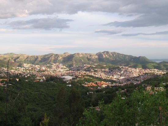 Casa Estrella de la Valenciana: valley view