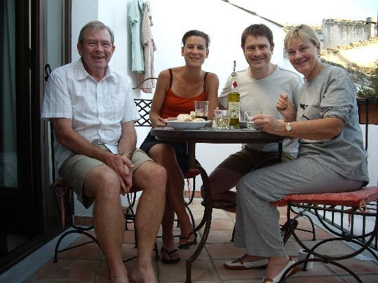 Casa Banos de la Villa: Eating and drinking on the balcony