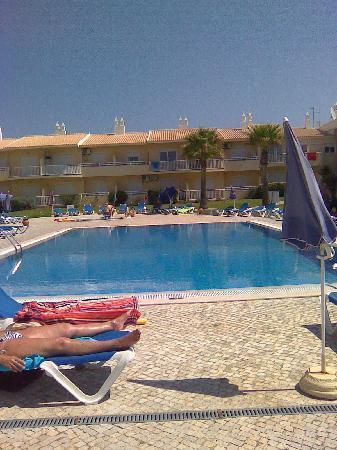 Jardins Vale de Parra: Quiet Pool!