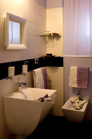 Bagno Junior Suite Feng Shui - Picture of Eco-Hotel La Residenza ...