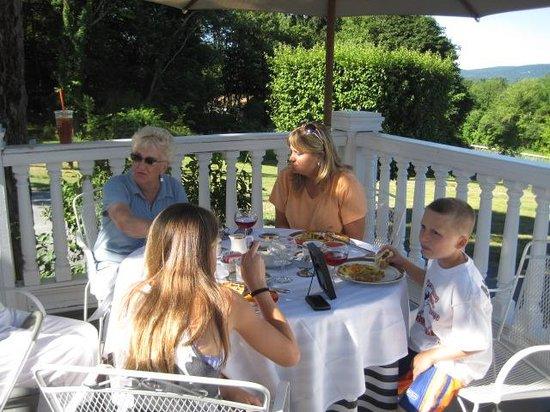 Belvedere Mansion: Breakfast included