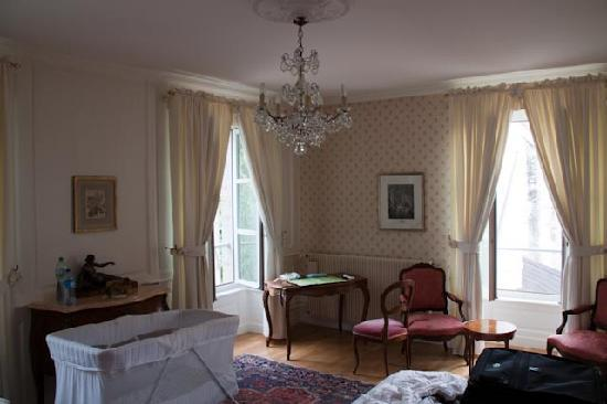 Chateau d'Epenoux: Our Room