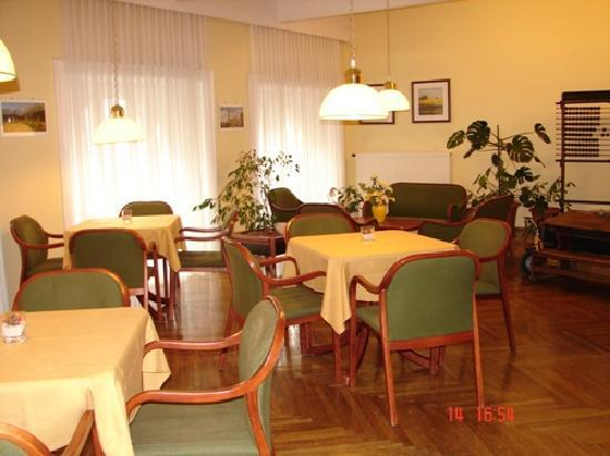 Hotel-Pension Lehrerhaus: Breakfast room