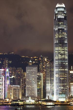 Mandarin Oriental, Hong Kong: Difficult to believe MOHK was once the tallest building in HK (at right).