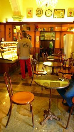 La Tavernetta B&B: Bar Reno, la colazione