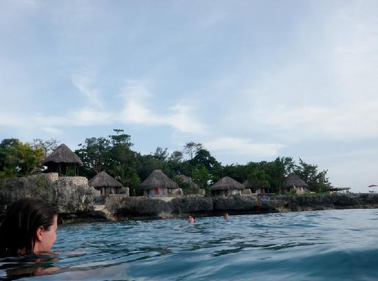 Rockhouse Hotel: Swimming in the cove, after coming out of the cave.