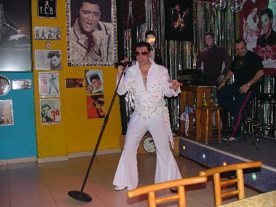 Canifor Hotel: the elvis bar