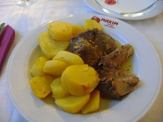 Pefkohori, Griechenland: Lamb in the Oven