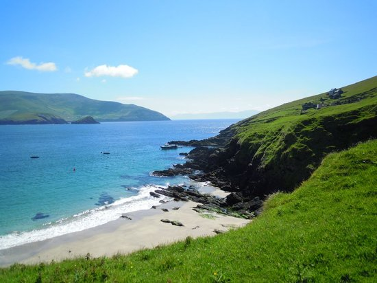 Blasket Islands Eco Marine Tours: The gorgeous strand of the Great Blasket island!