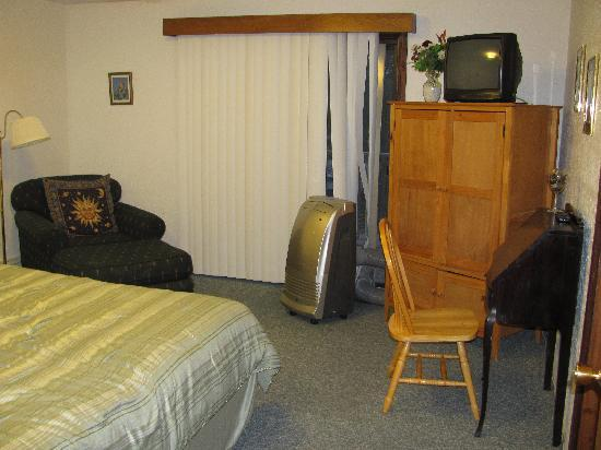 North Road Inn: Another picture of the Master bedroom