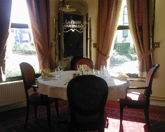 Lens, ฝรั่งเศส: Hotel restaurant