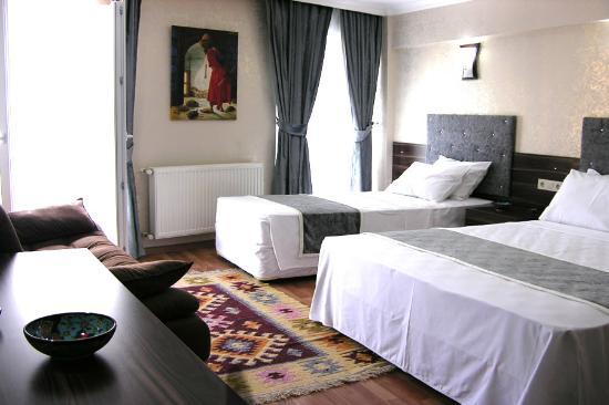 Galata Istanbul Hotel: Triple Room