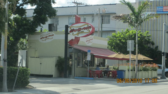 Photo of American Restaurant Dogma Grill at 7030 Biscayne Blvd, Miami, FL 33138, United States