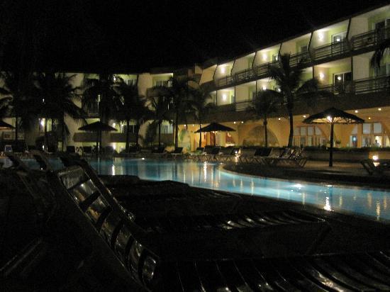 Sol Cayo Coco: Resort at night