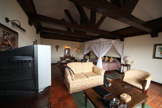 Kilaguni Serena Safari Lodge: Inside Suite