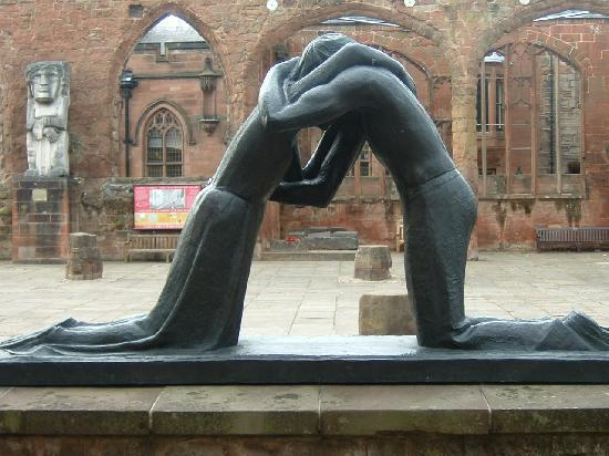 ‪‪Coventry‬, UK: depicting reconciliation‬