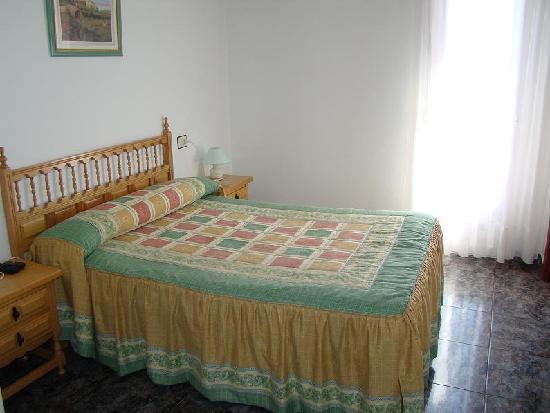 Hostal Pension San Roque: Habitacion Doble (cama matrimonio)