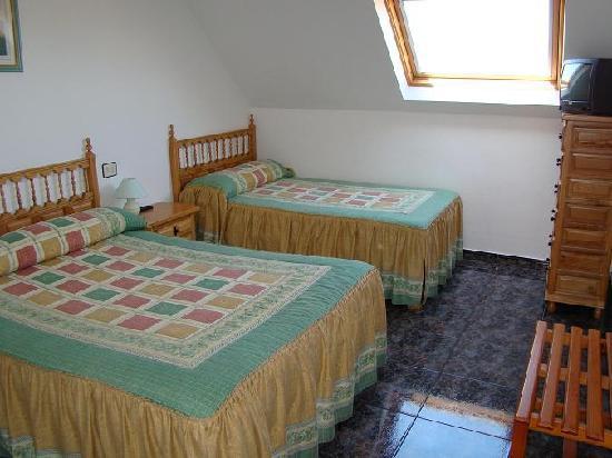 Portonovo, Hiszpania: Habitación Triple (cama matrimonio + supletoria)