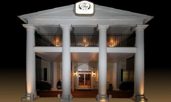 Enjoy our southern hospitality at the Inn on Broadway