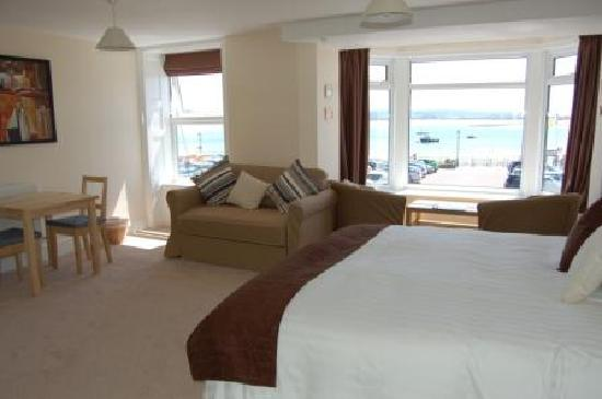 Fron Haul: 'Midships' - luxury seaview double room